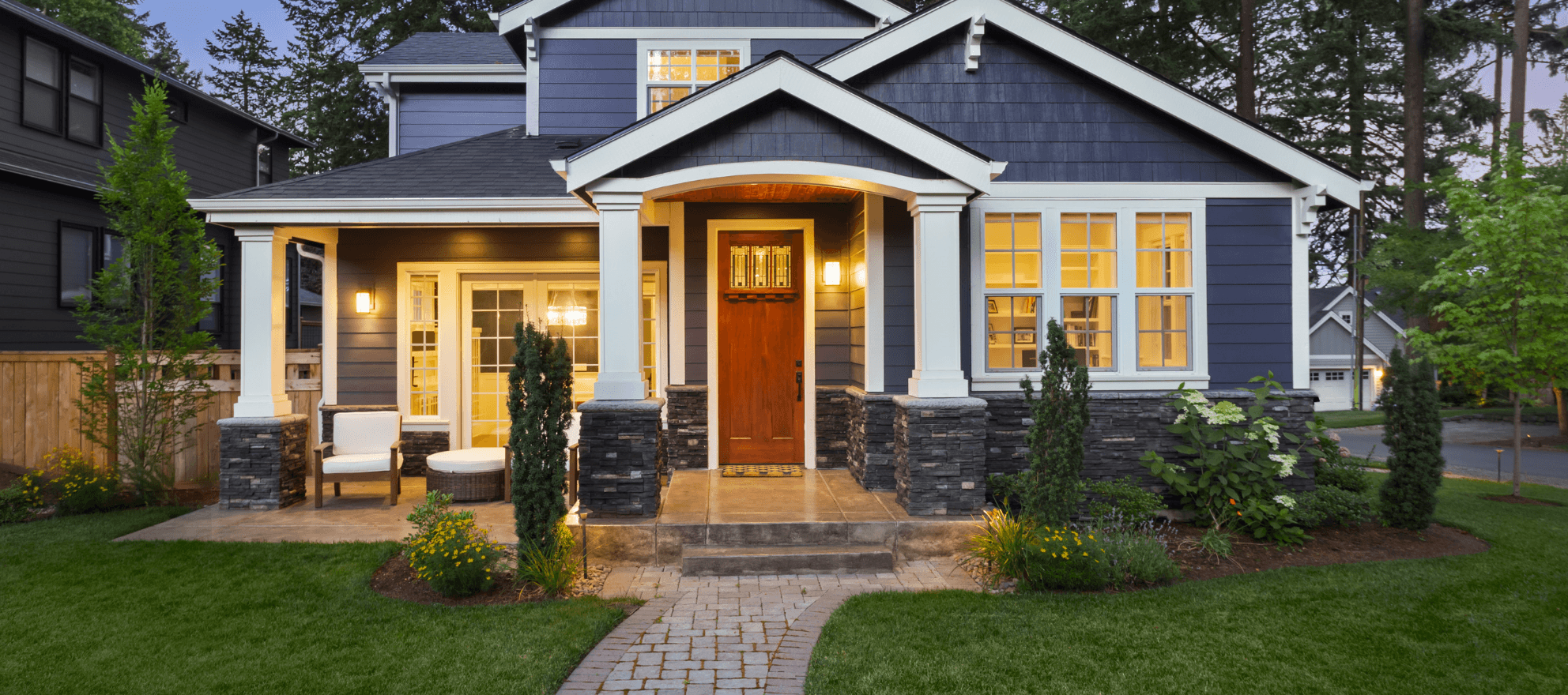 house view from the front with curb appeal lighting