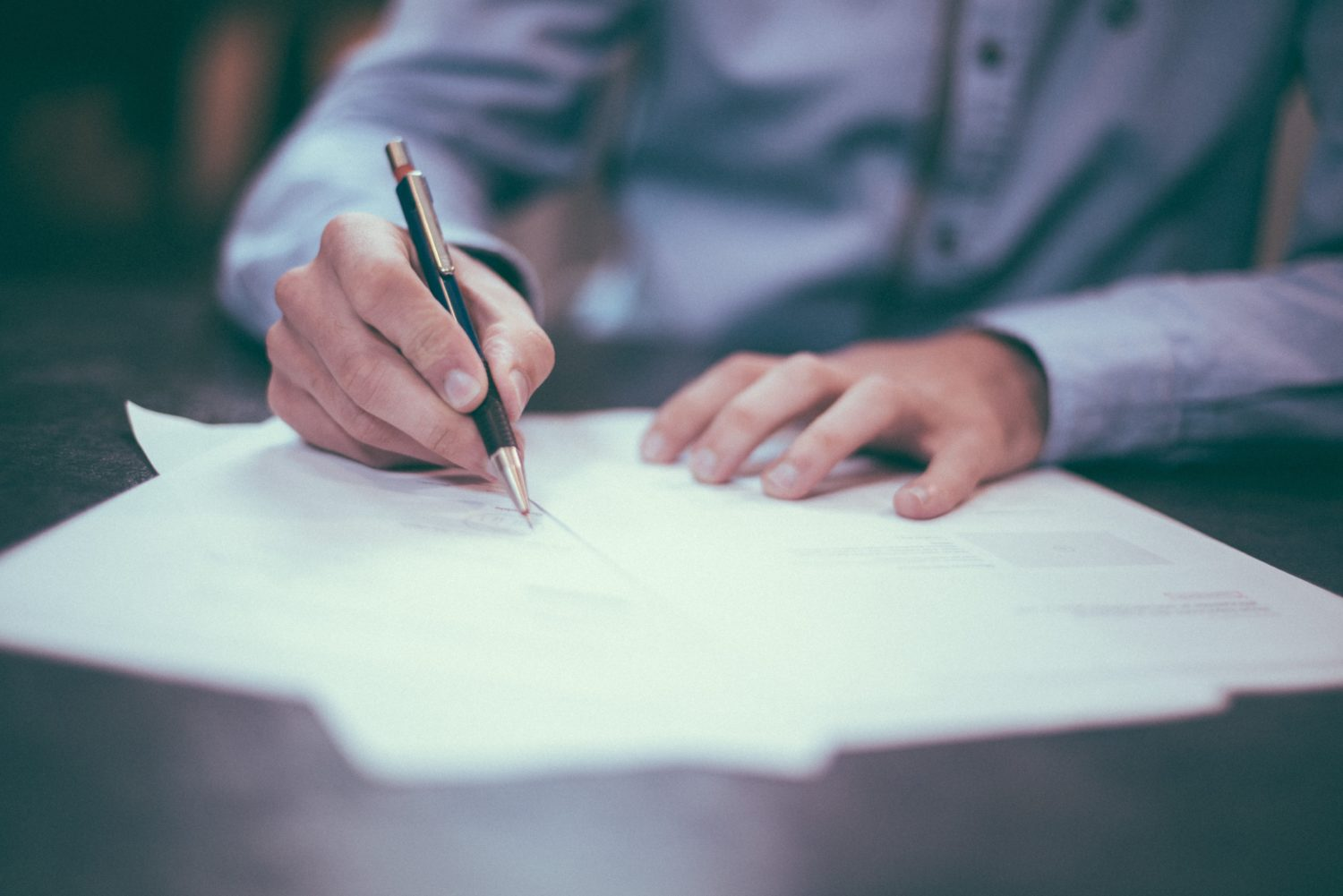 what to expect at closing signature papers