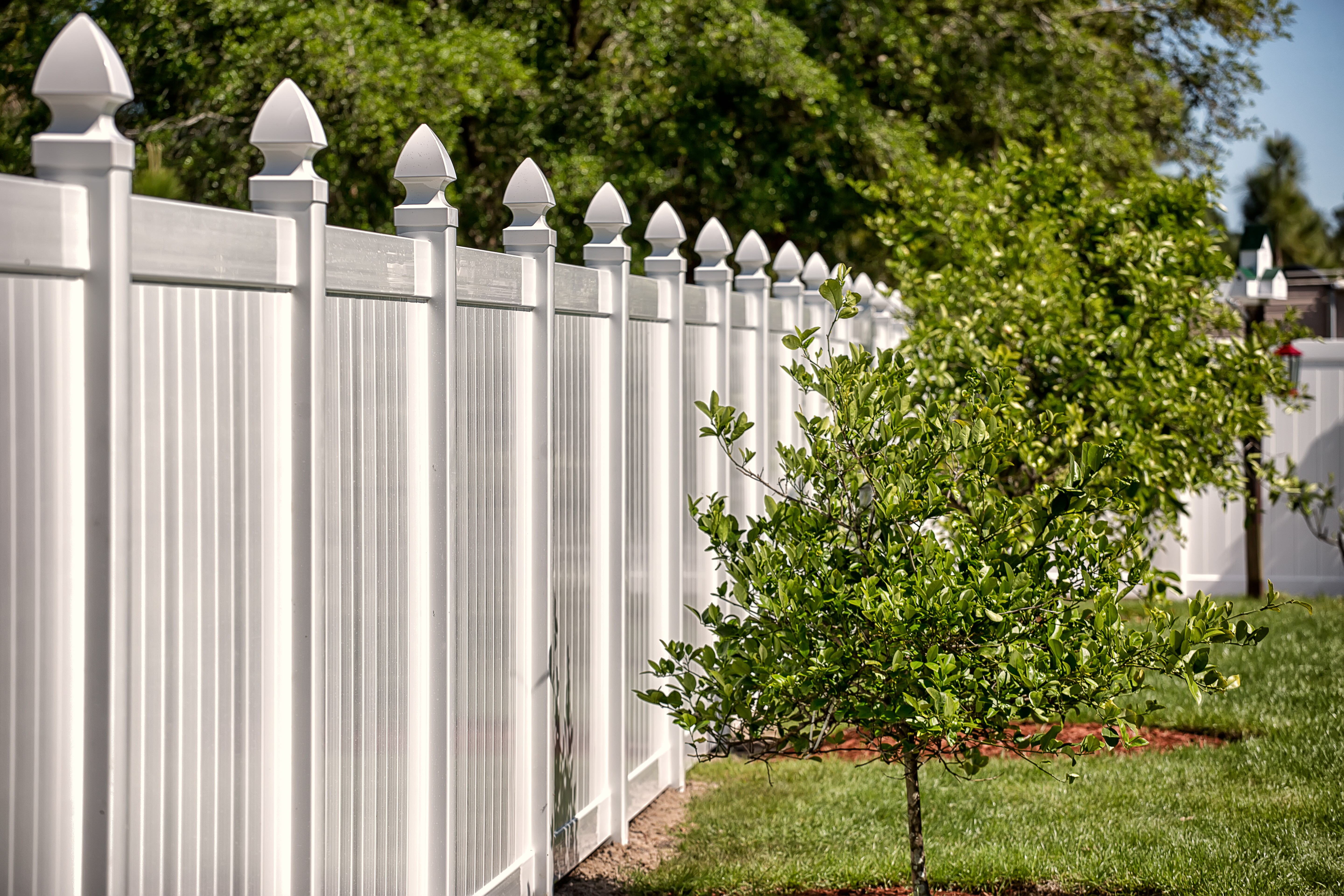does a fence increase home value vinyl