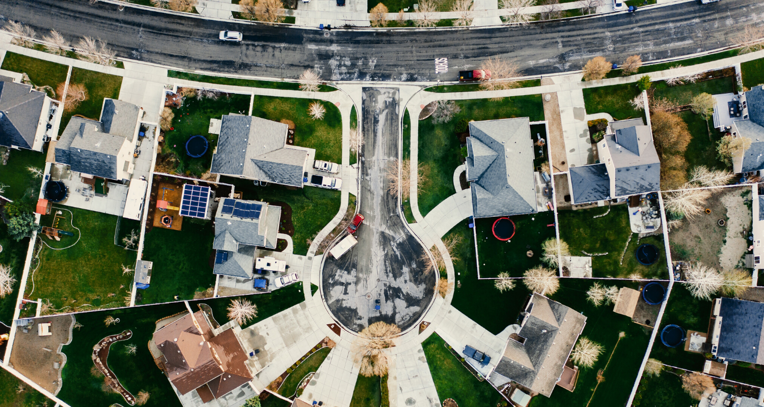 An aerial view of a neighborhood you could form a homeowners association for.