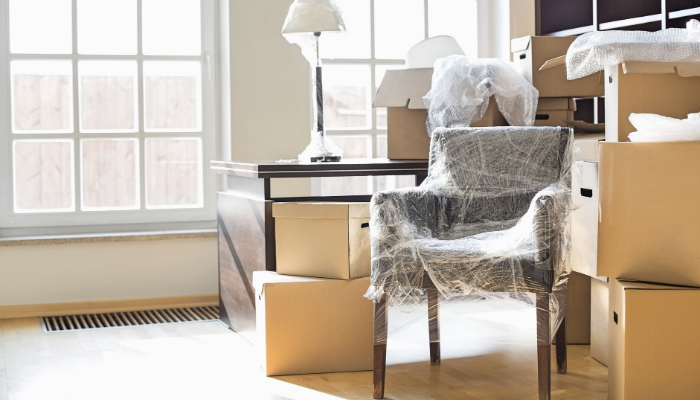 Rent furniture in order to stage your home to sell quickly