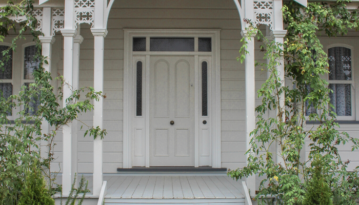 A front porch with curb appeal.