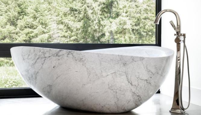 A bathtub in a 2020 home design.