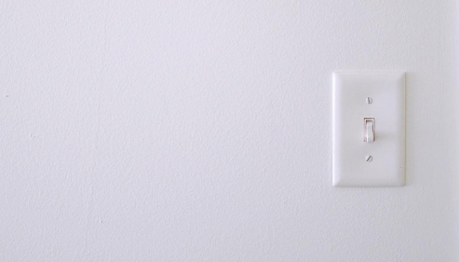 A light switch illustrates one of the things people should check during a final walkthrough.