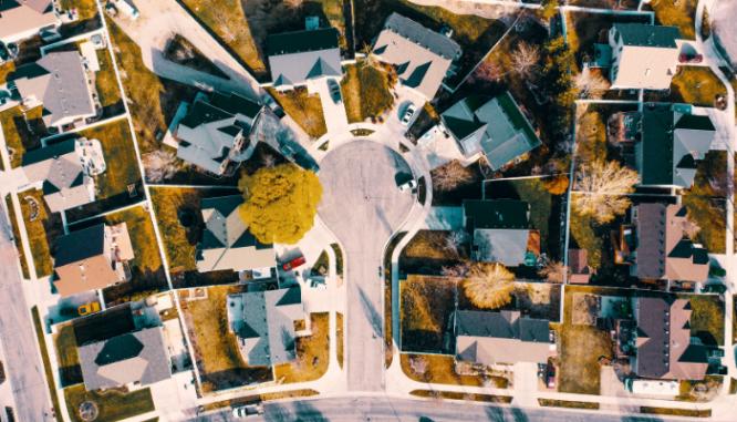 A cul de sac where a foreclosure is located.